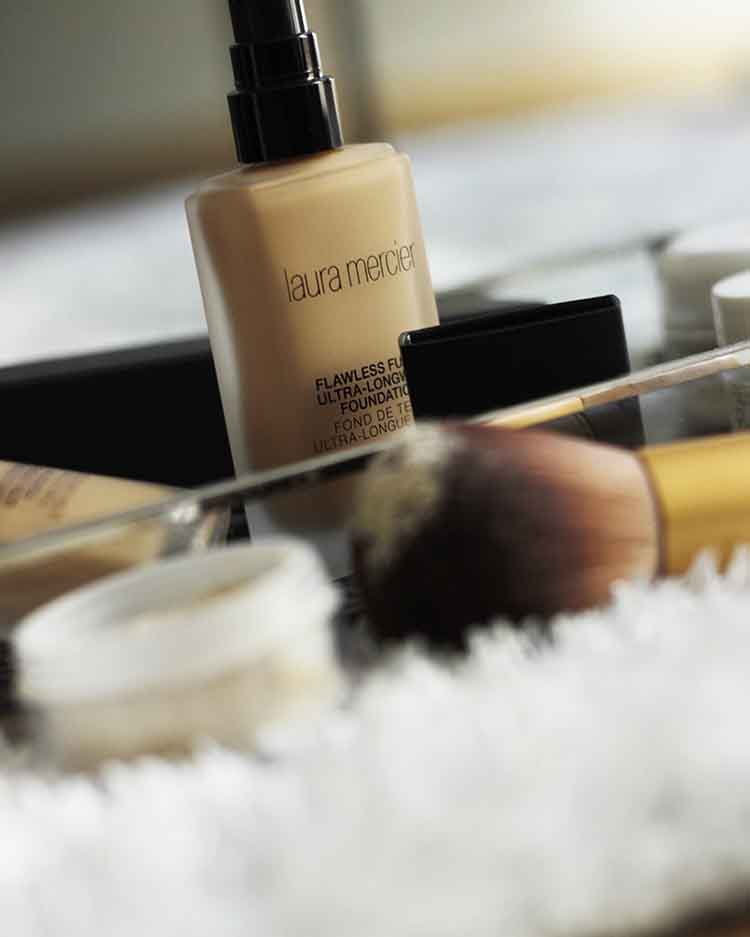LAURA MERCIER FLAWLESS ULTRA-LONGWEAR FOUNDATION