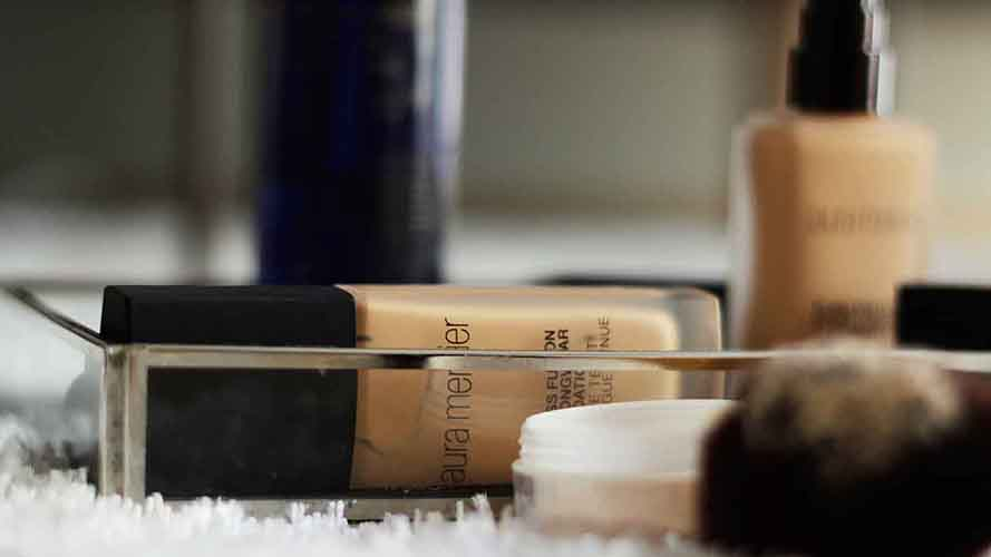 TRIED AND TESTED: LAURA MERCIER FLAWLESS ULTRA-LONGWEAR FOUNDATION